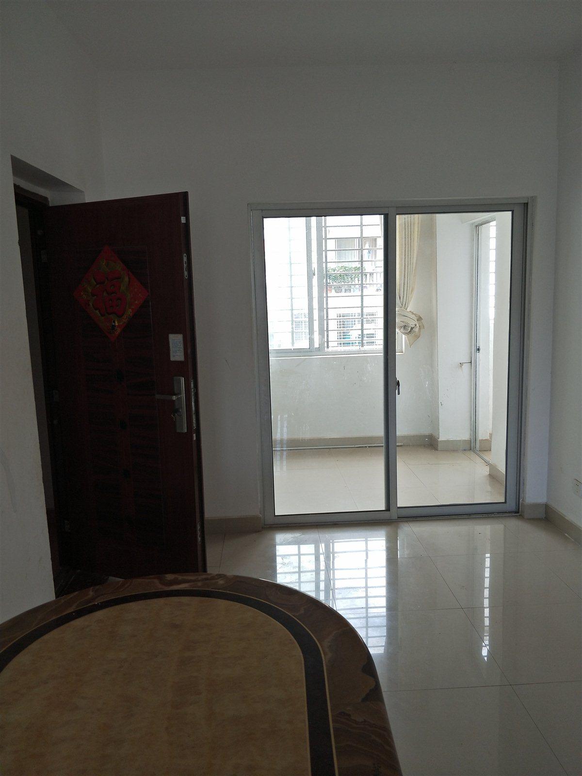 徳磬花园3室 1厅 1卫62万元