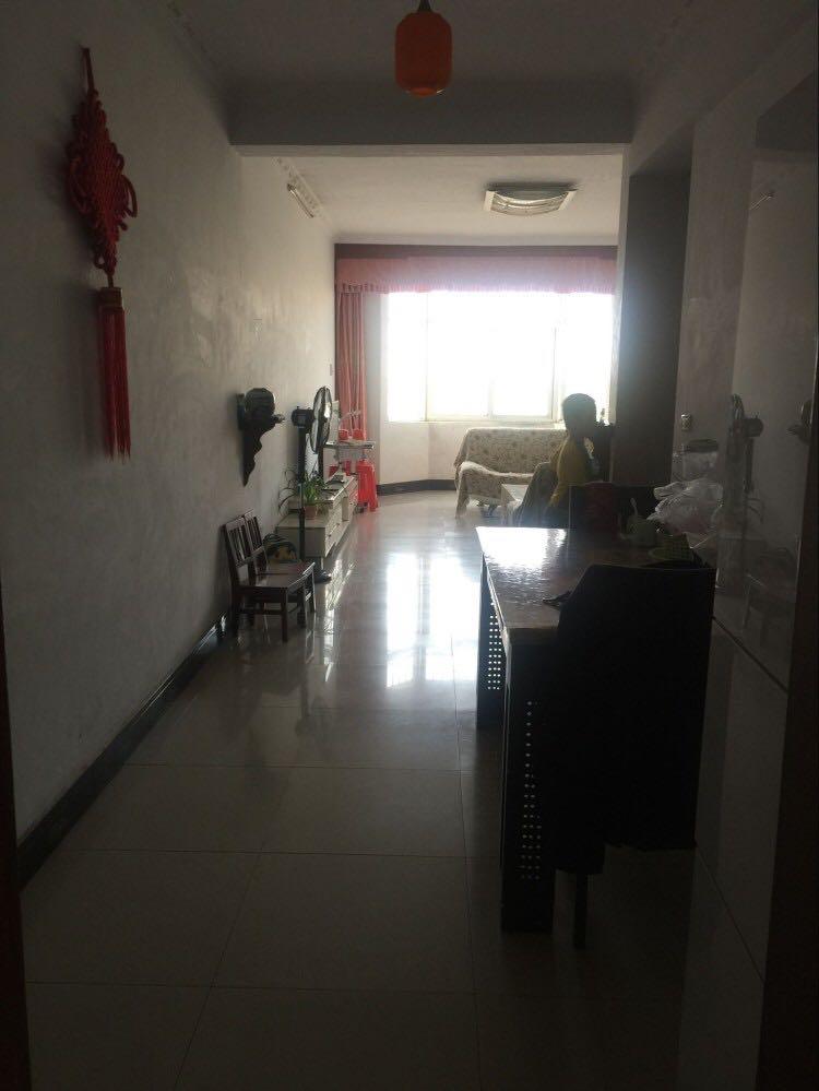 紫水小区2室2厅1卫送车库。53万元