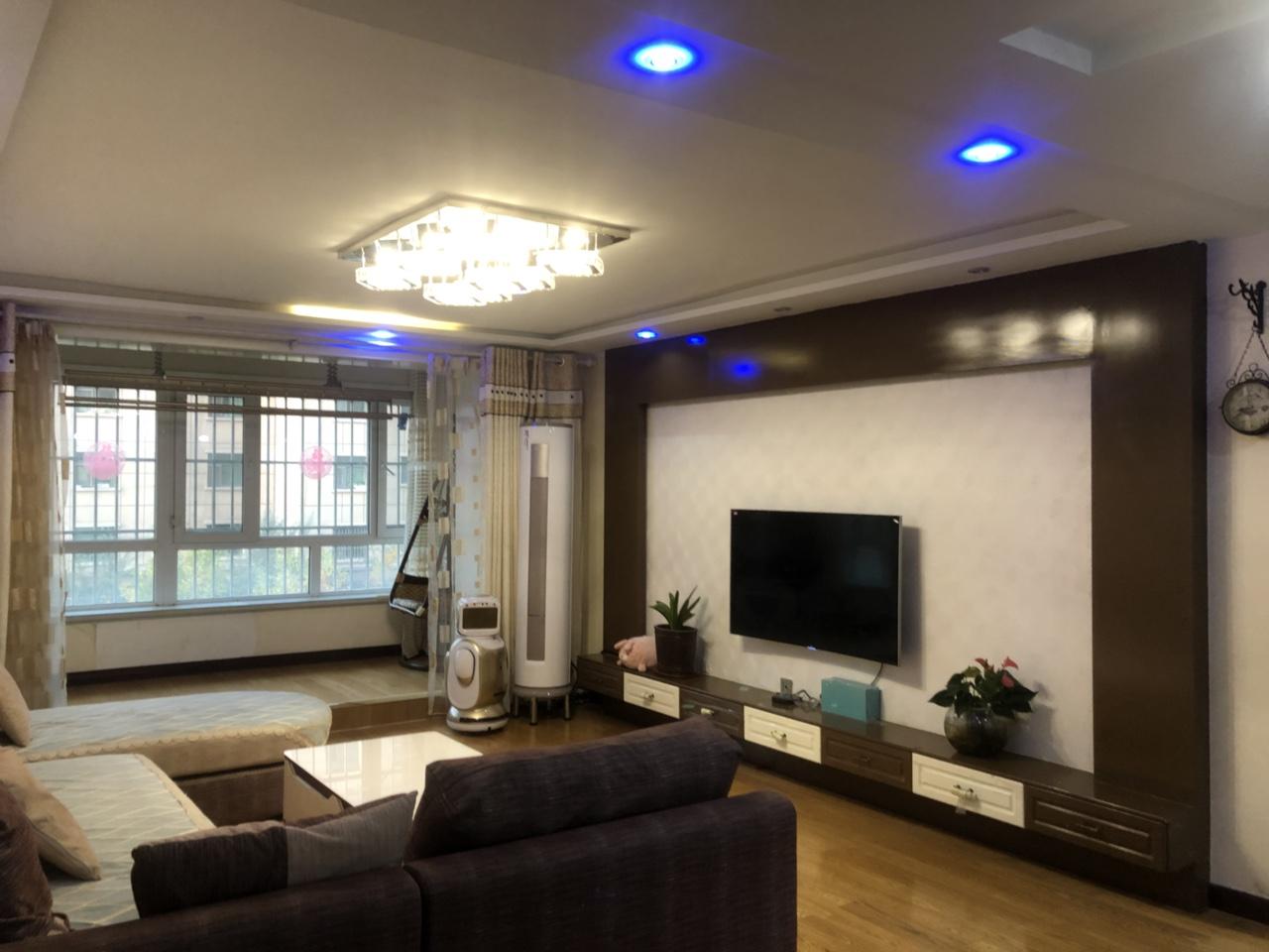 上东湖(熙泰园)3室2厅1卫精装修69万元