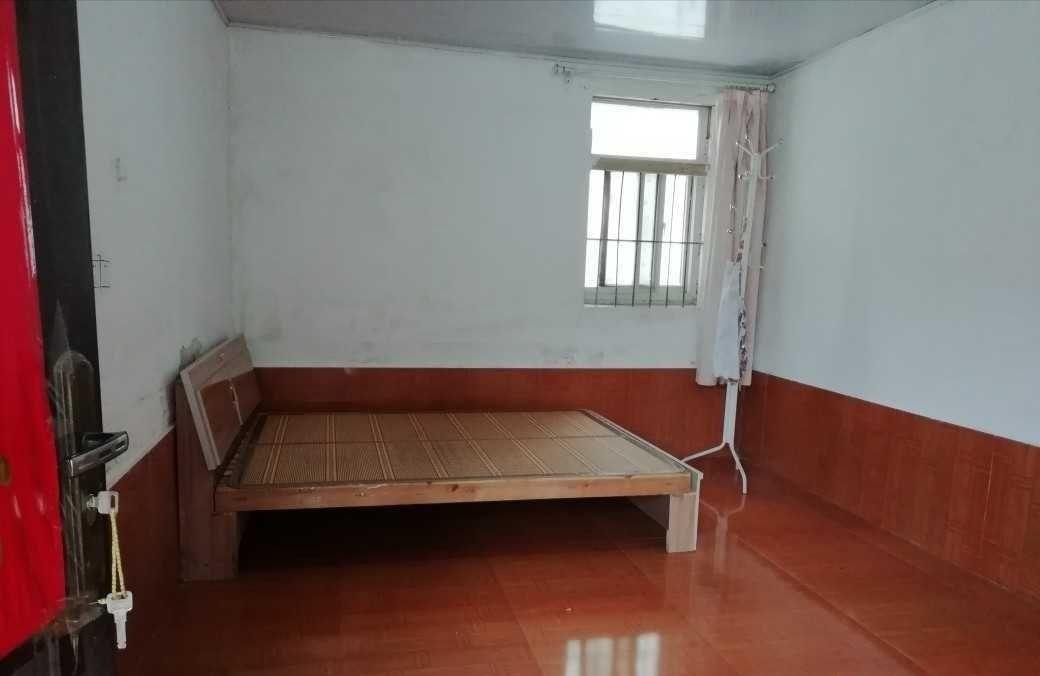 东双沟镇街道两间楼上楼下,带院子,厨房,4室 3厅 2卫