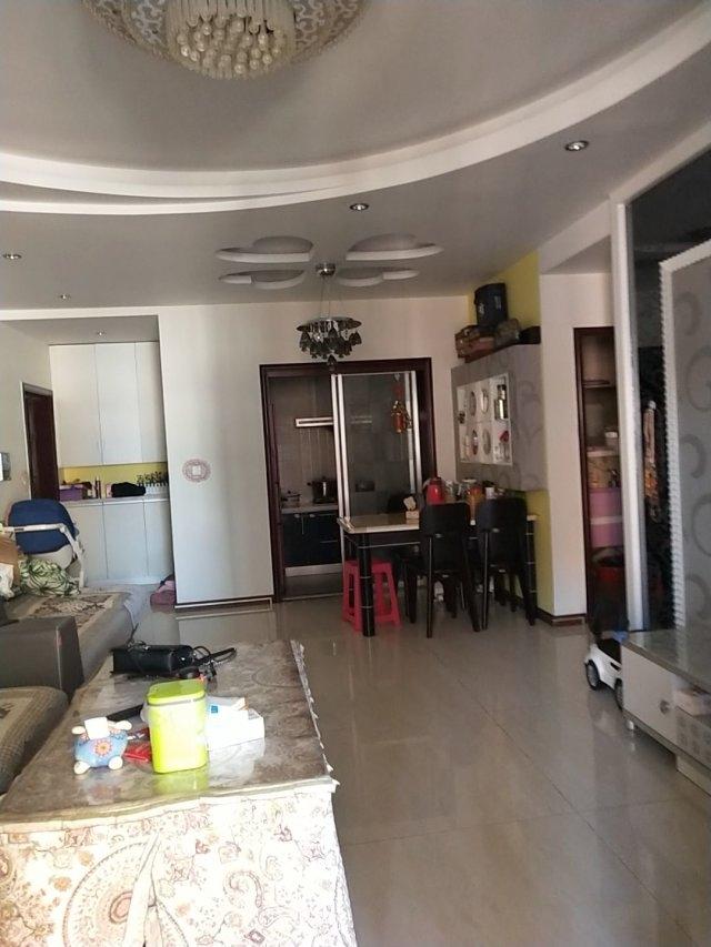 玫瑰湾精装修111平米3室2厅2卫77.8万元