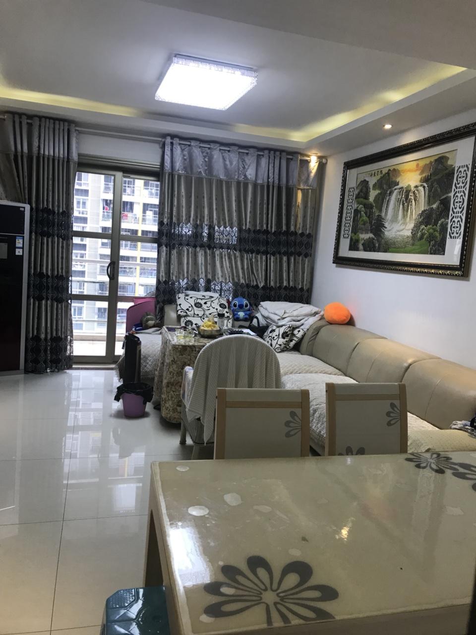 阳光花园精装3室2厅1卫68.8万元