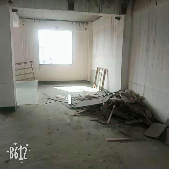廉租房6跃7层毛坯房两层126㎡单价3700元/㎡