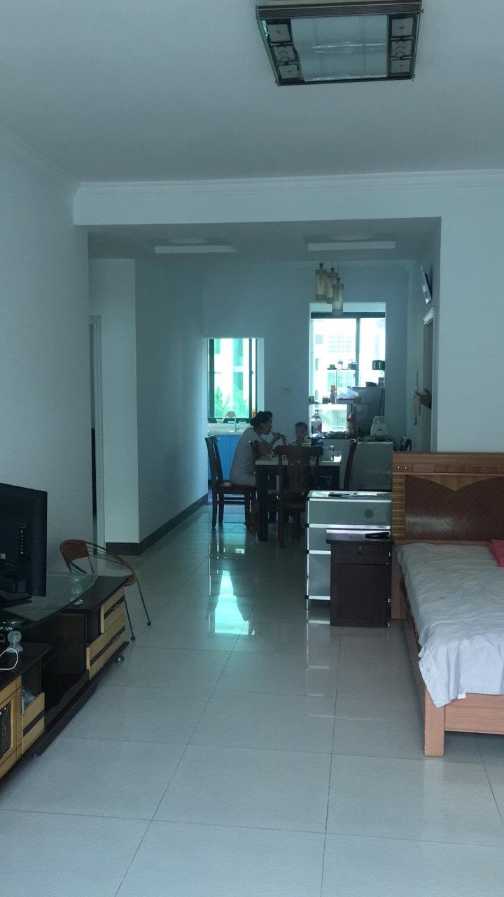 碧海苑80平2室2厅1卫68万元