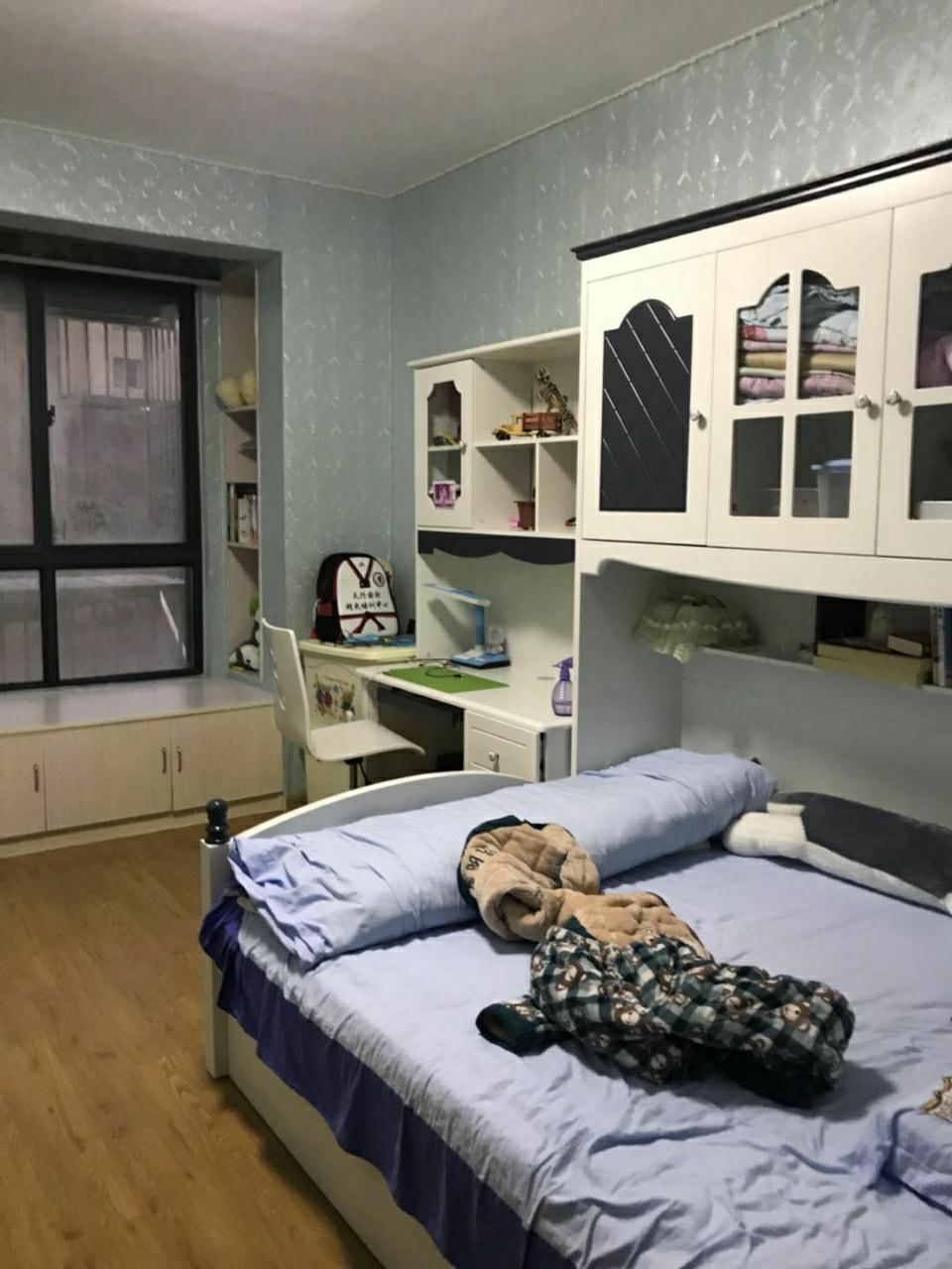 昌和水岸花城复式1+2层4室2厅2卫140万元
