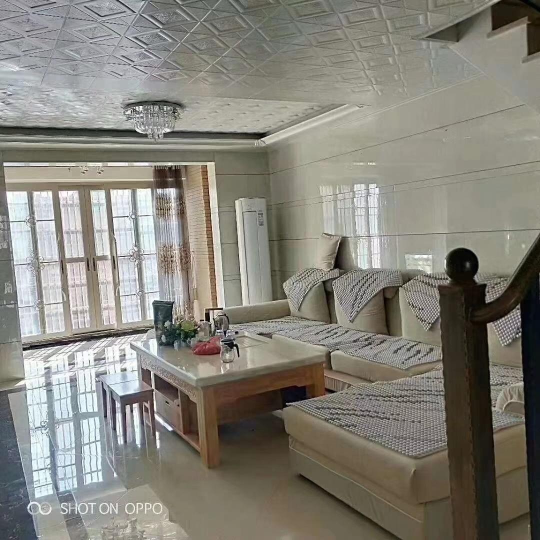 新锐书苑4室2厅2卫129万元