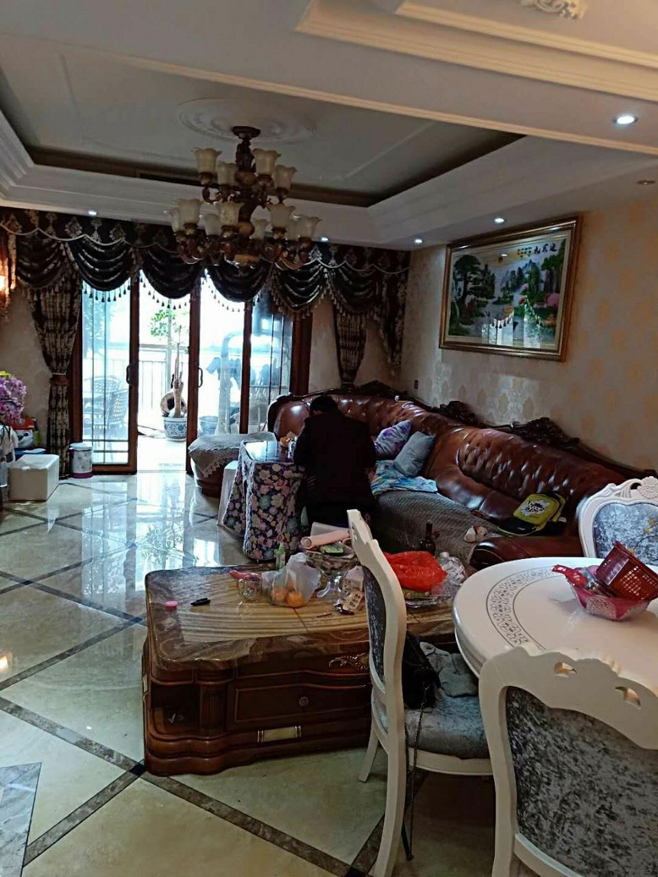 恒盛·伴山国际4室2厅2卫98万元
