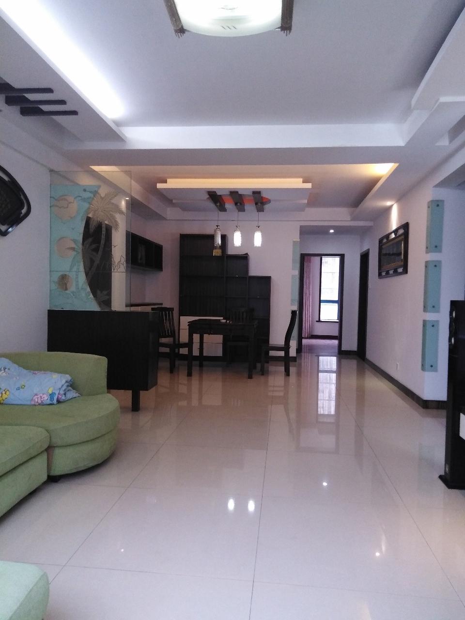 民生小區精裝130平3室2廳拎包入住94.8萬