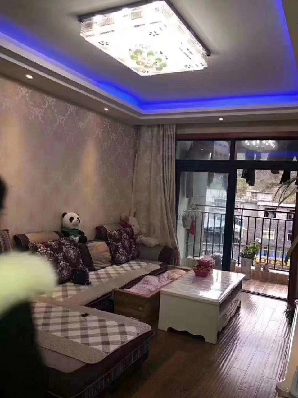 山台山精装2室2厅1卫47.8万元