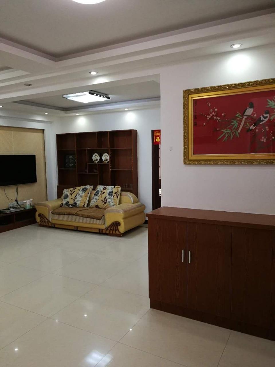 世纪花苑精装修126平3室2厅2卫93.8万元