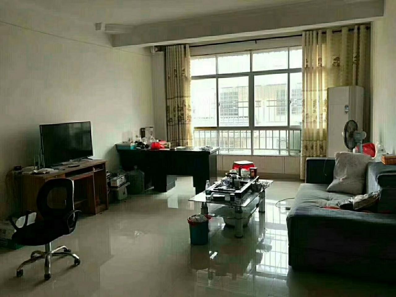 平川易居3室2廳2衛58萬元