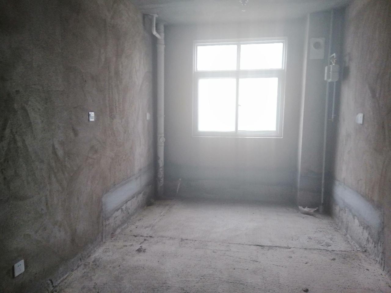 瓷都文化园3室2厅2卫52万元