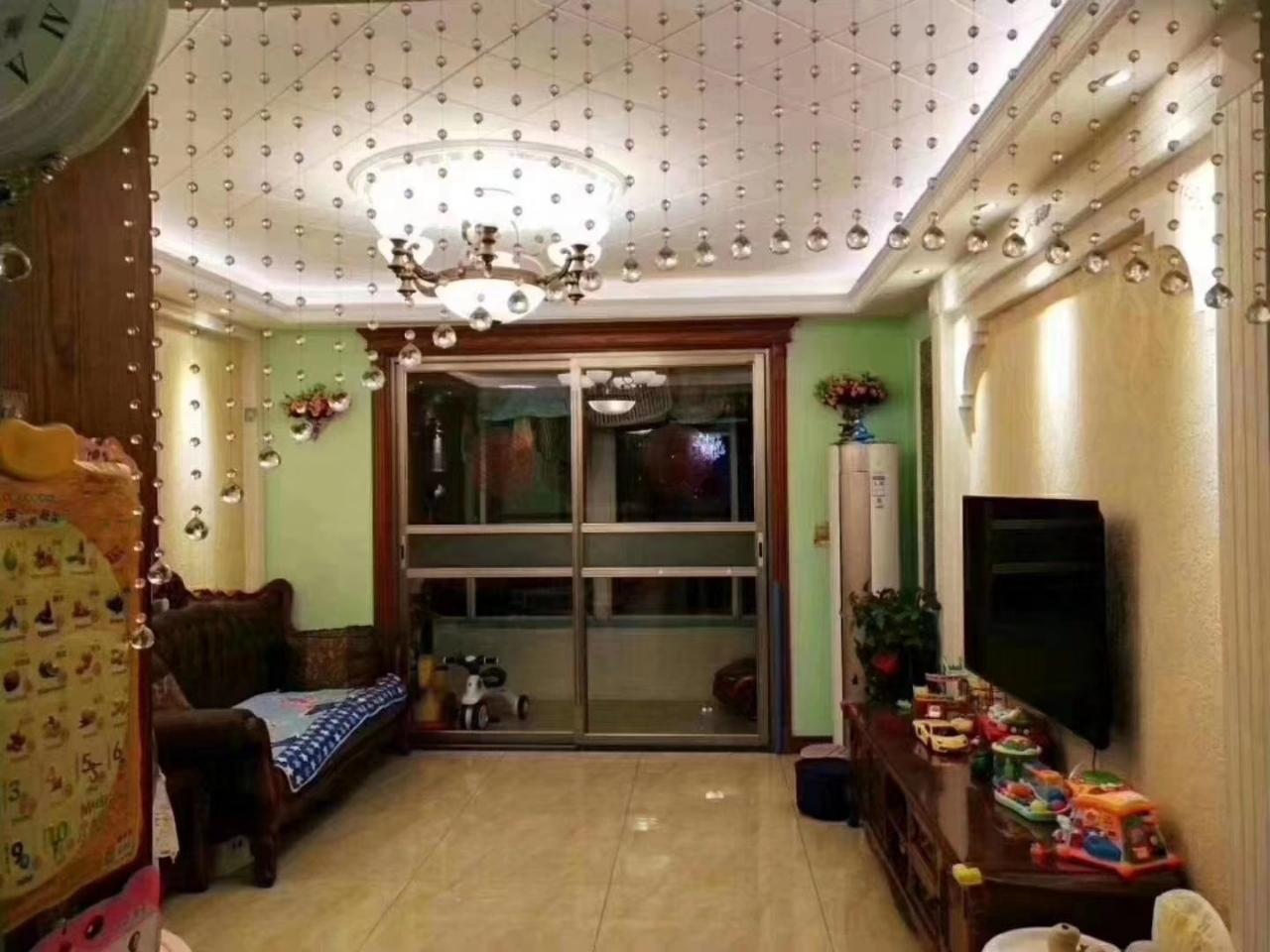 平章府小区2室2厅1卫82万元带车库38平