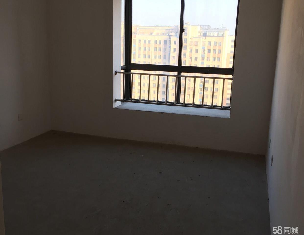 昌和水岸花城毛坯房3室2厅2卫138平米135万元