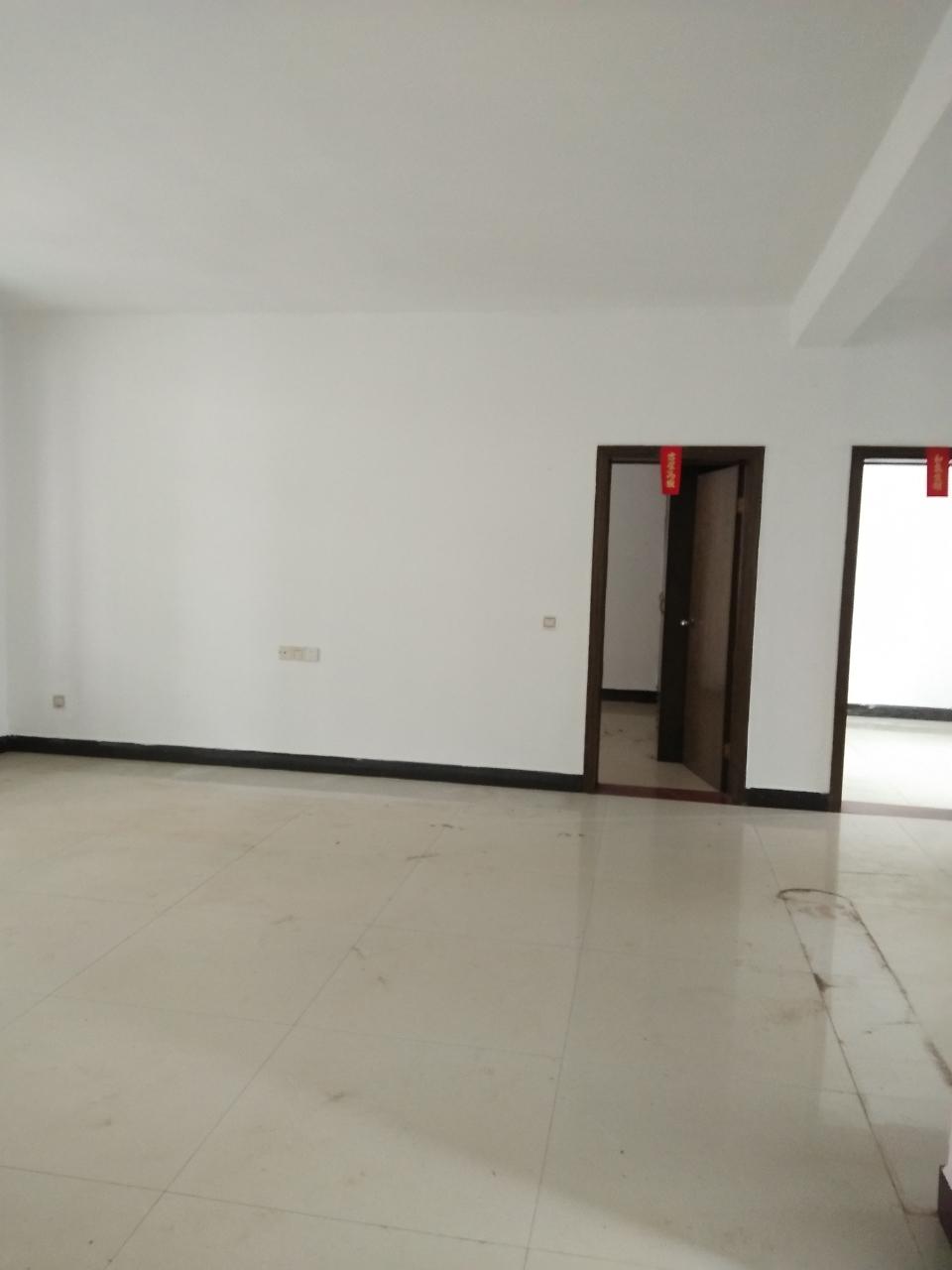 金沙平台中学附近3室2厅2卫72.8万元