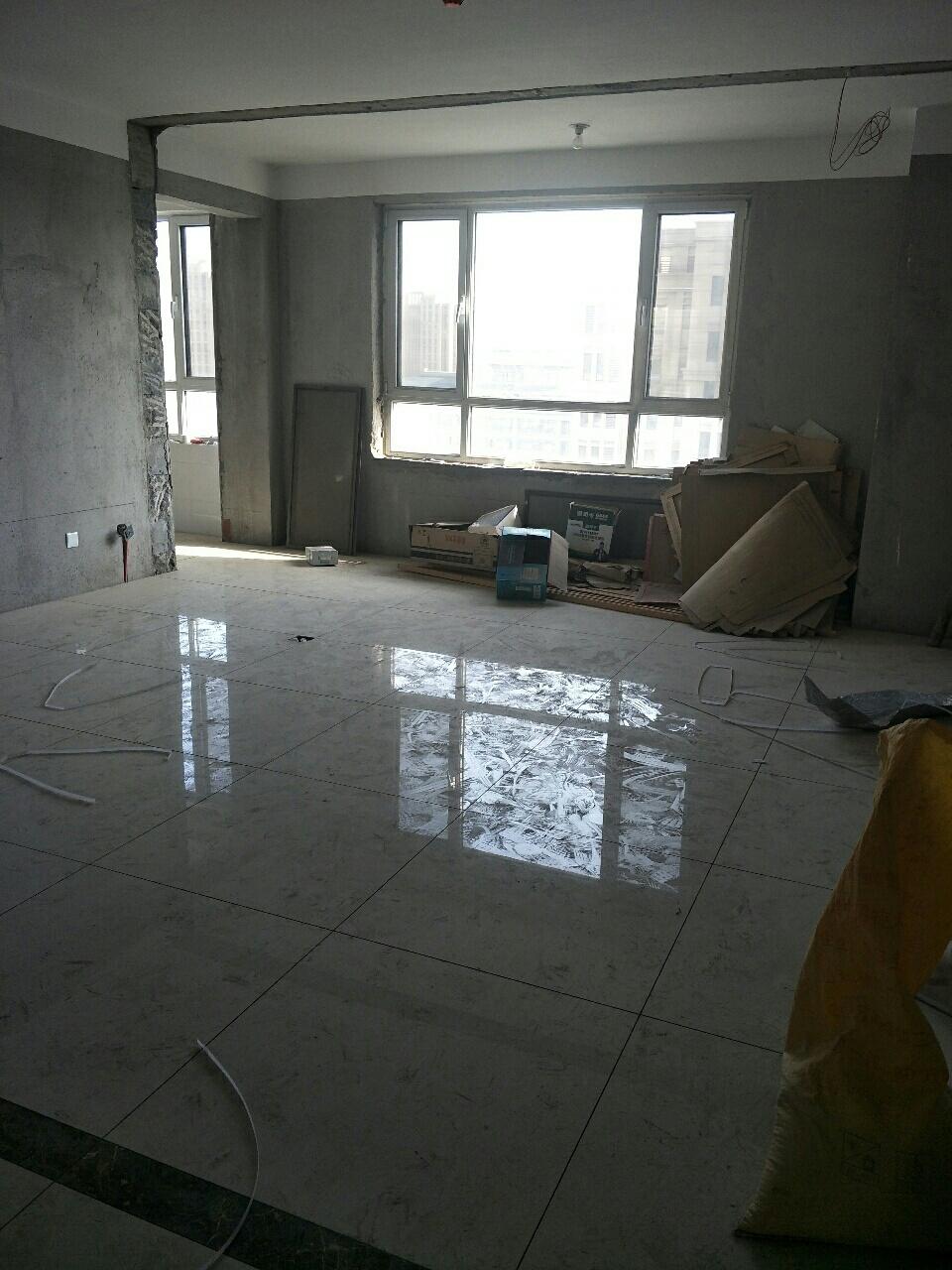 大海经典141平简装3室2厅2卫103万元