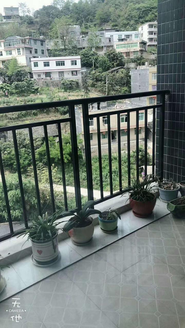 阳光花园2室2厅1卫45.8万元