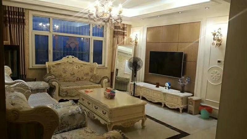 凤凰城3室2厅2卫88万元豪华装修