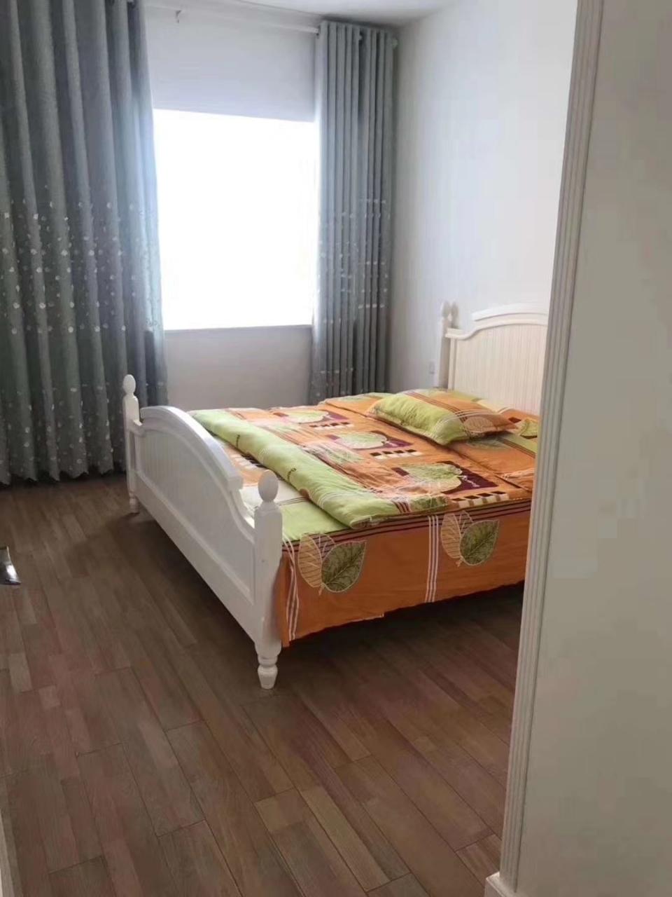 领秀江山精装3室2厅2卫72.8万元