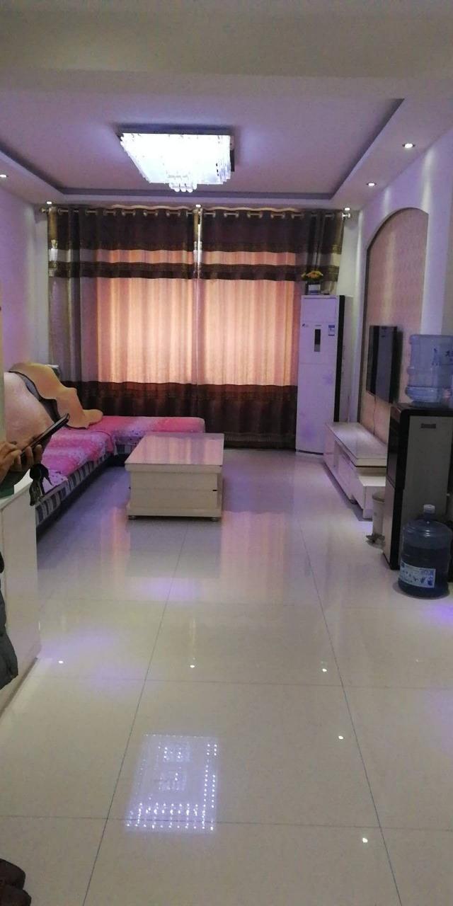 御景西城,精装修两居室仅售65万