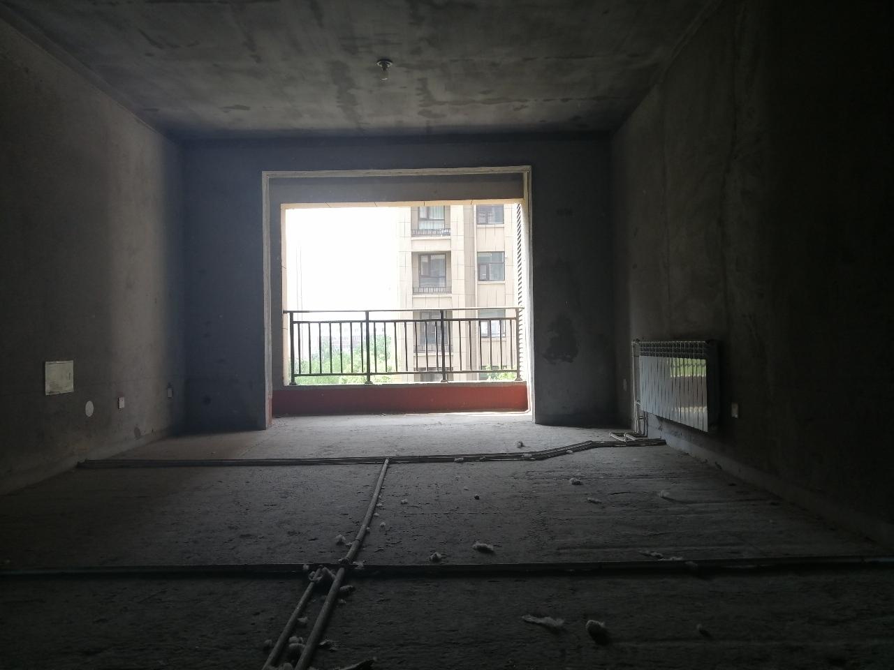 海润滨江3室2厅2卫56万元