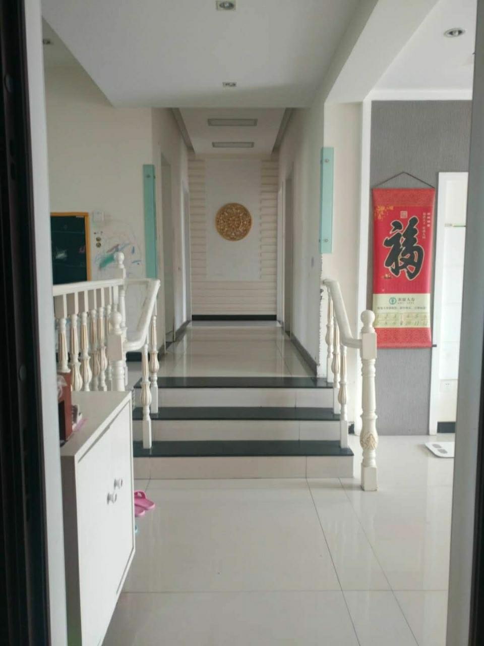 F4106怡和名士豪庭6室4厅4卫188万元