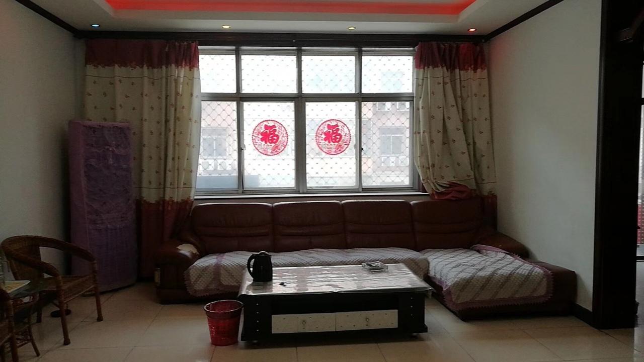 凤城一区3室2厅1卫57万元,带下房,中低层