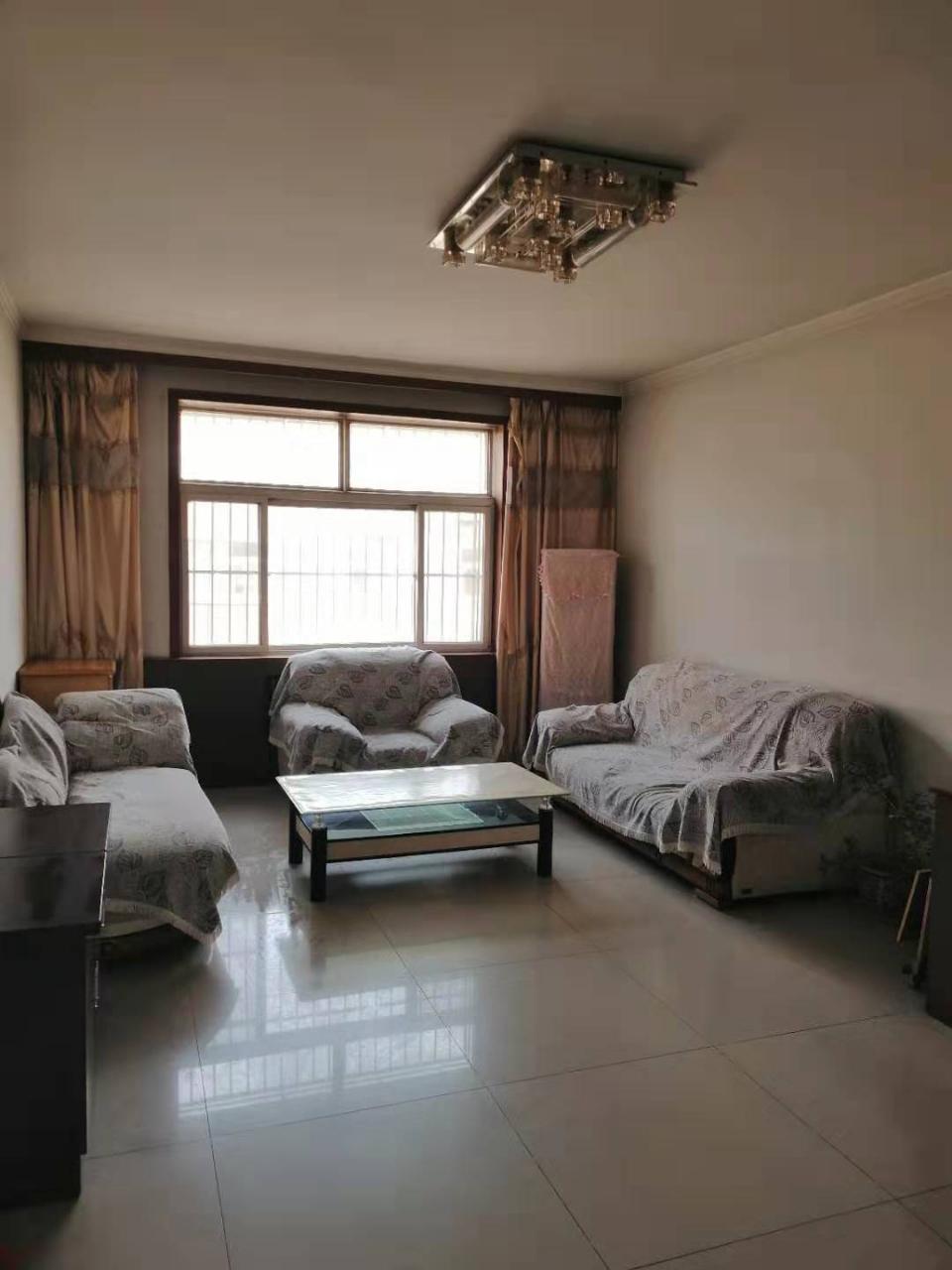 府源小区3室63万元,中间层,带小房,带家具家