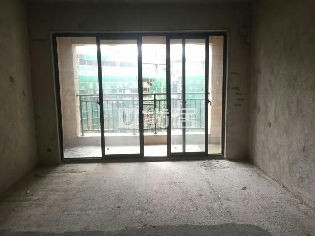 盛邦国际4室2厅2卫58万元、电梯房、采光充足