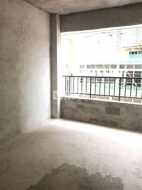 世客城5室2厅2卫61万元