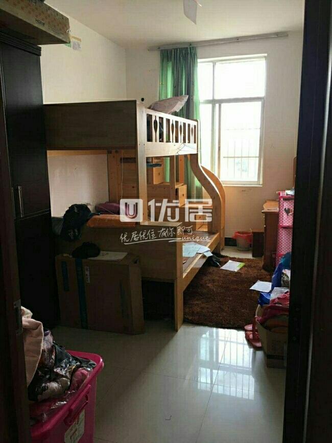 中山苑A区3室2厅2卫37万元