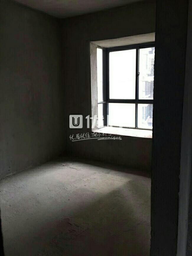 城市春天3室2厅2卫55.2万元