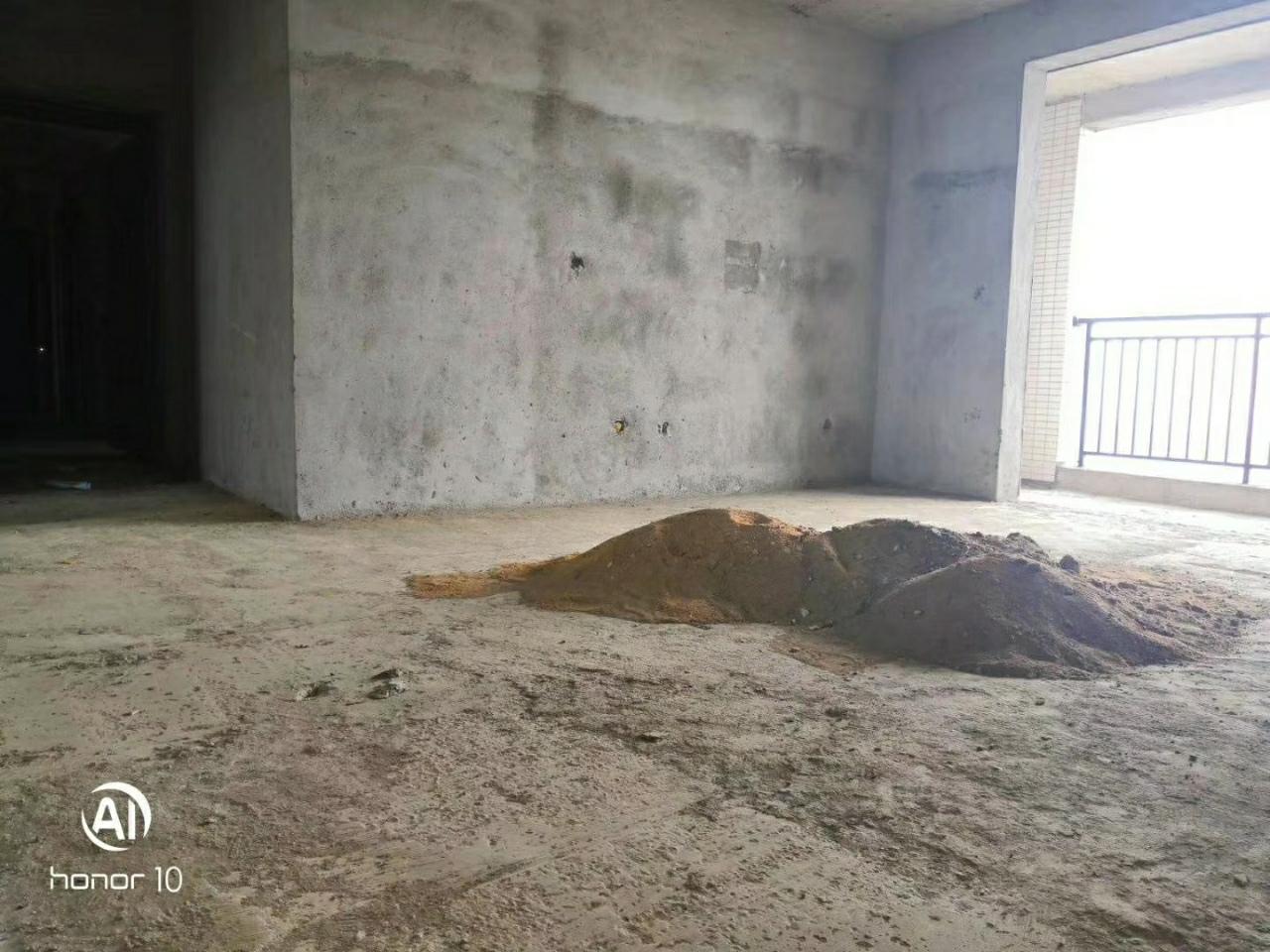 冰河新城3室2厅2卫105万元