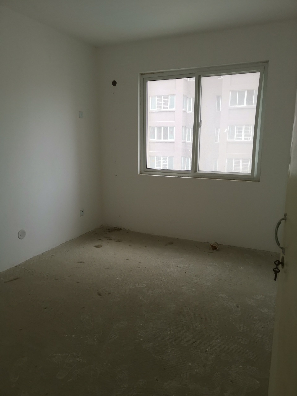 东方红3室2厅1卫33万元