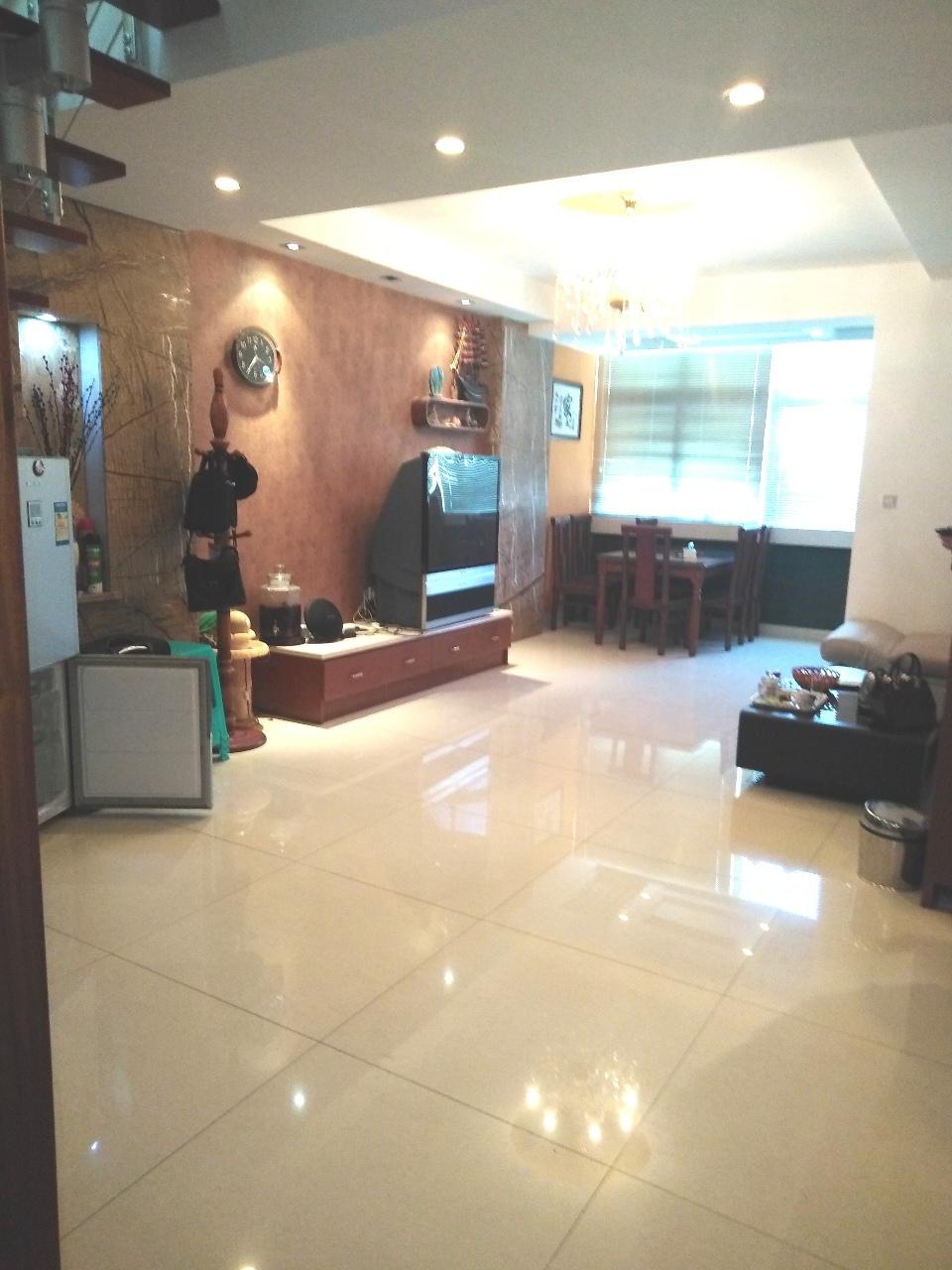 港汇3层楼中楼124平精装3室2厅2卫可进户口上学