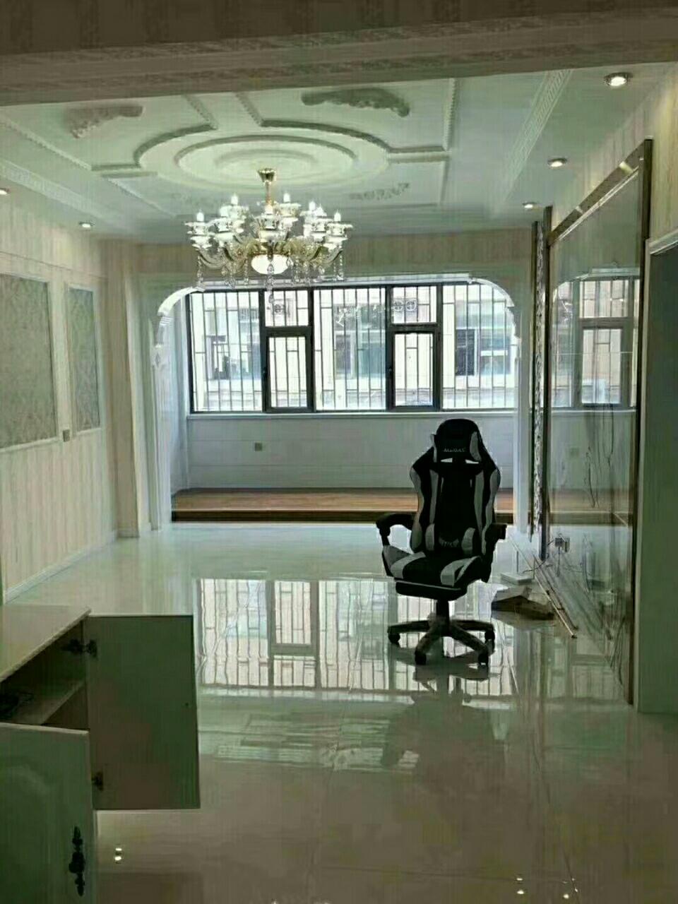 中恒兴佳城2室2厅1卫60万元