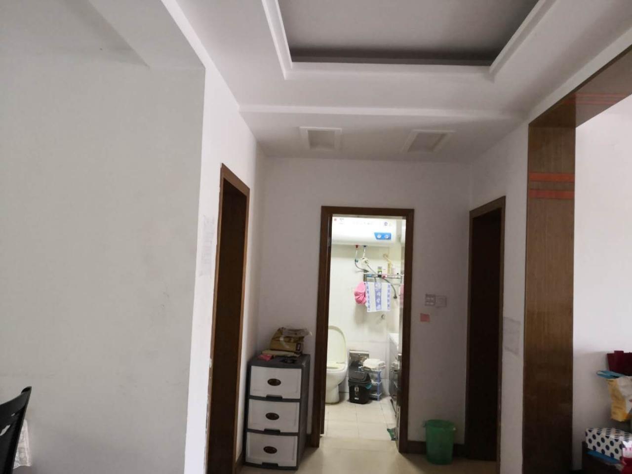 中坤苑精装修2室2厅1卫96平米+附房86.8万元