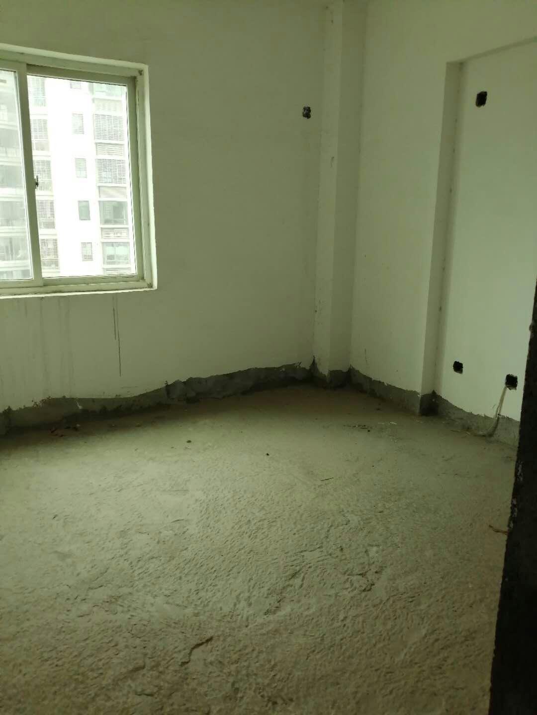 阳光城 毛坯房 高层3室 116平175万元
