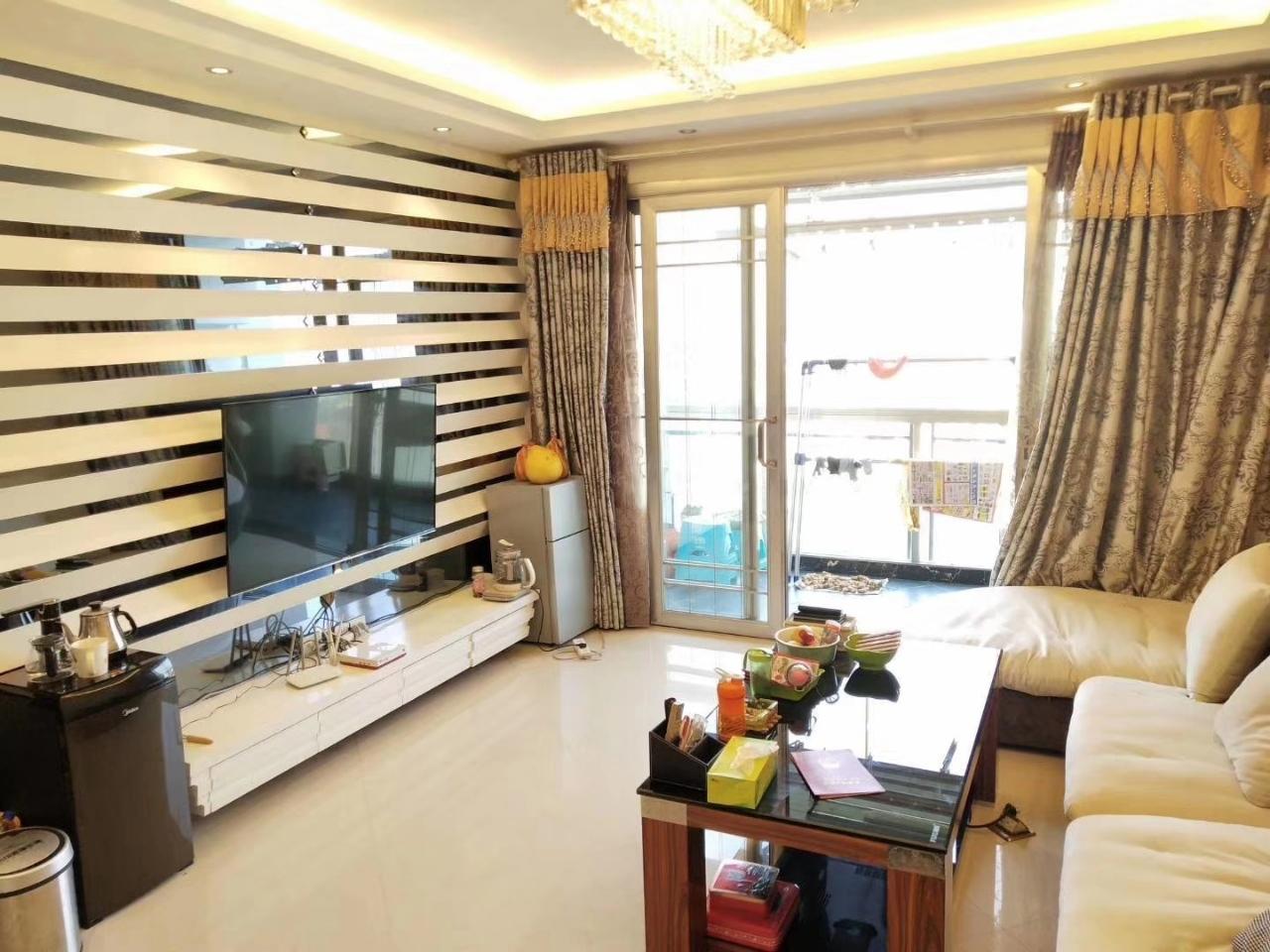 清华园3室2厅2卫70.8万元