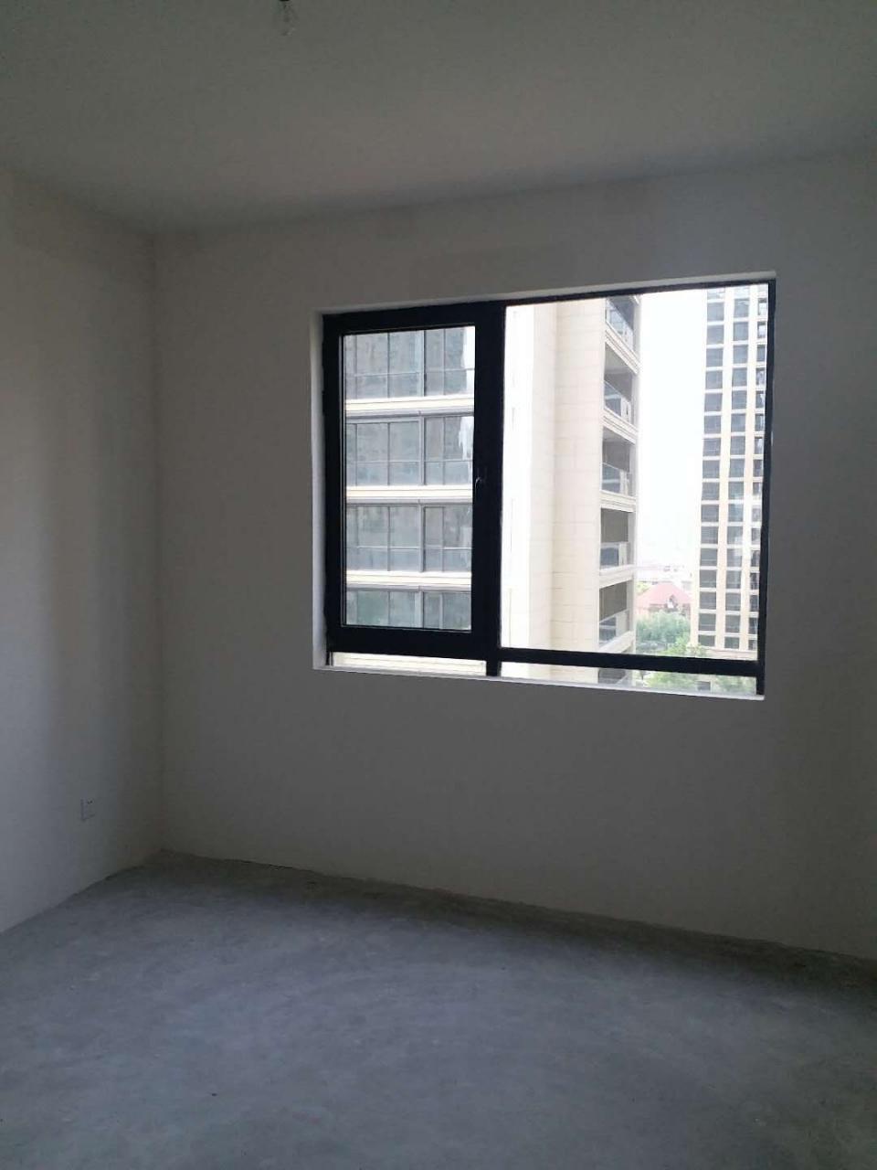 锦绣瑞府毛坯140平米3室2厅119.8万元