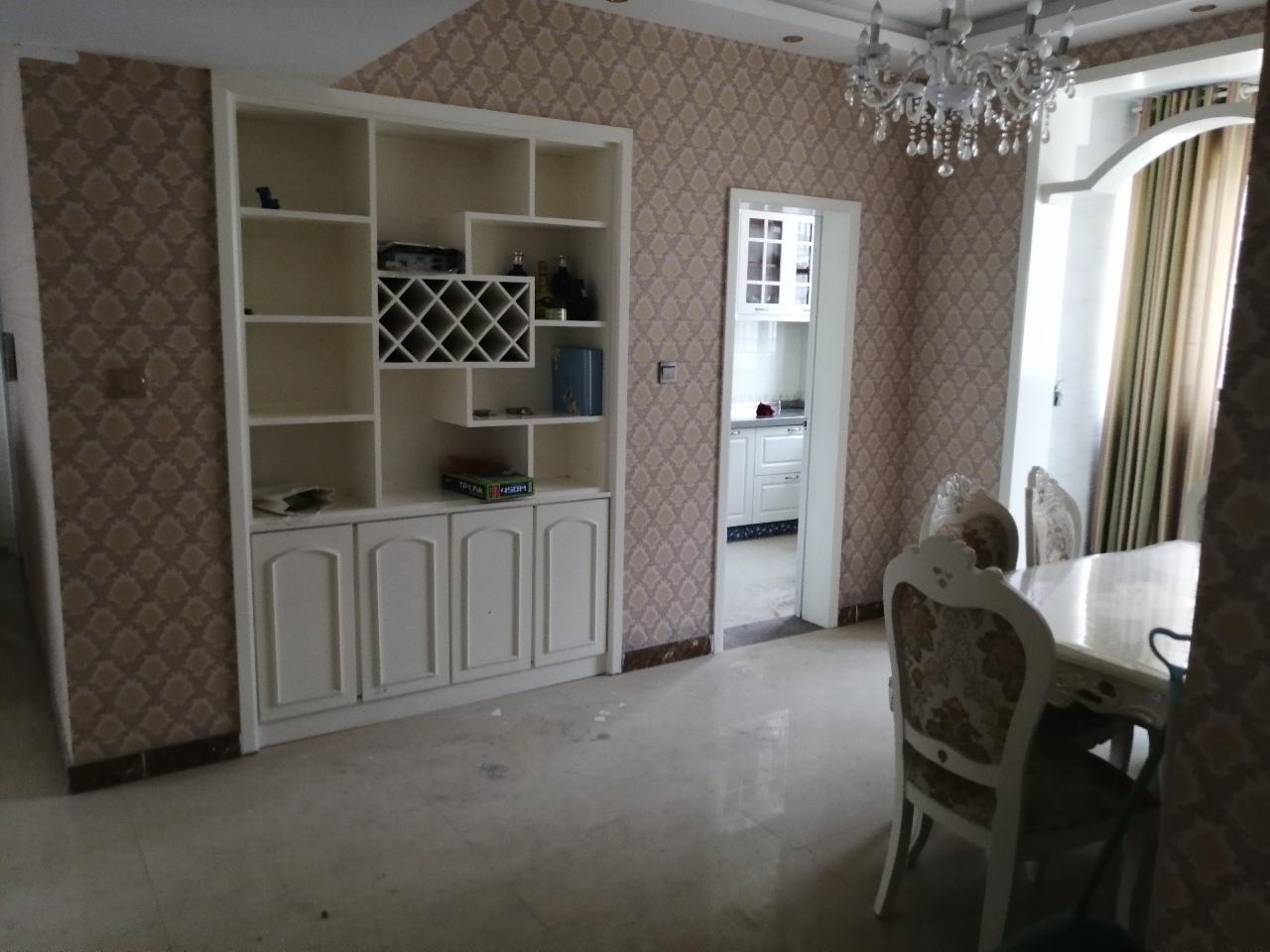 梦想家园3室2厅2卫79万元