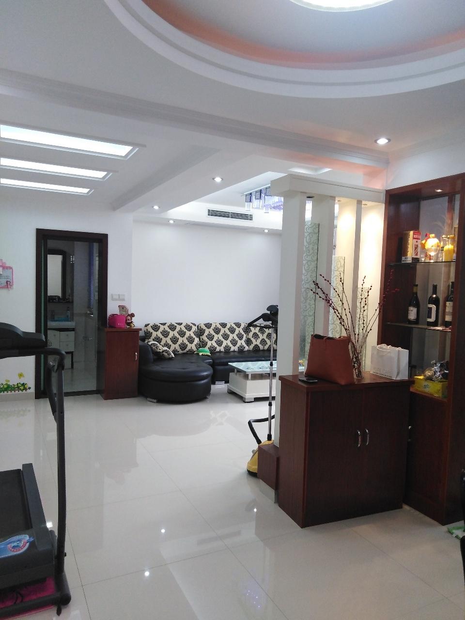 中坤苑9楼105平精装双卧朝阳中央空调实木地板