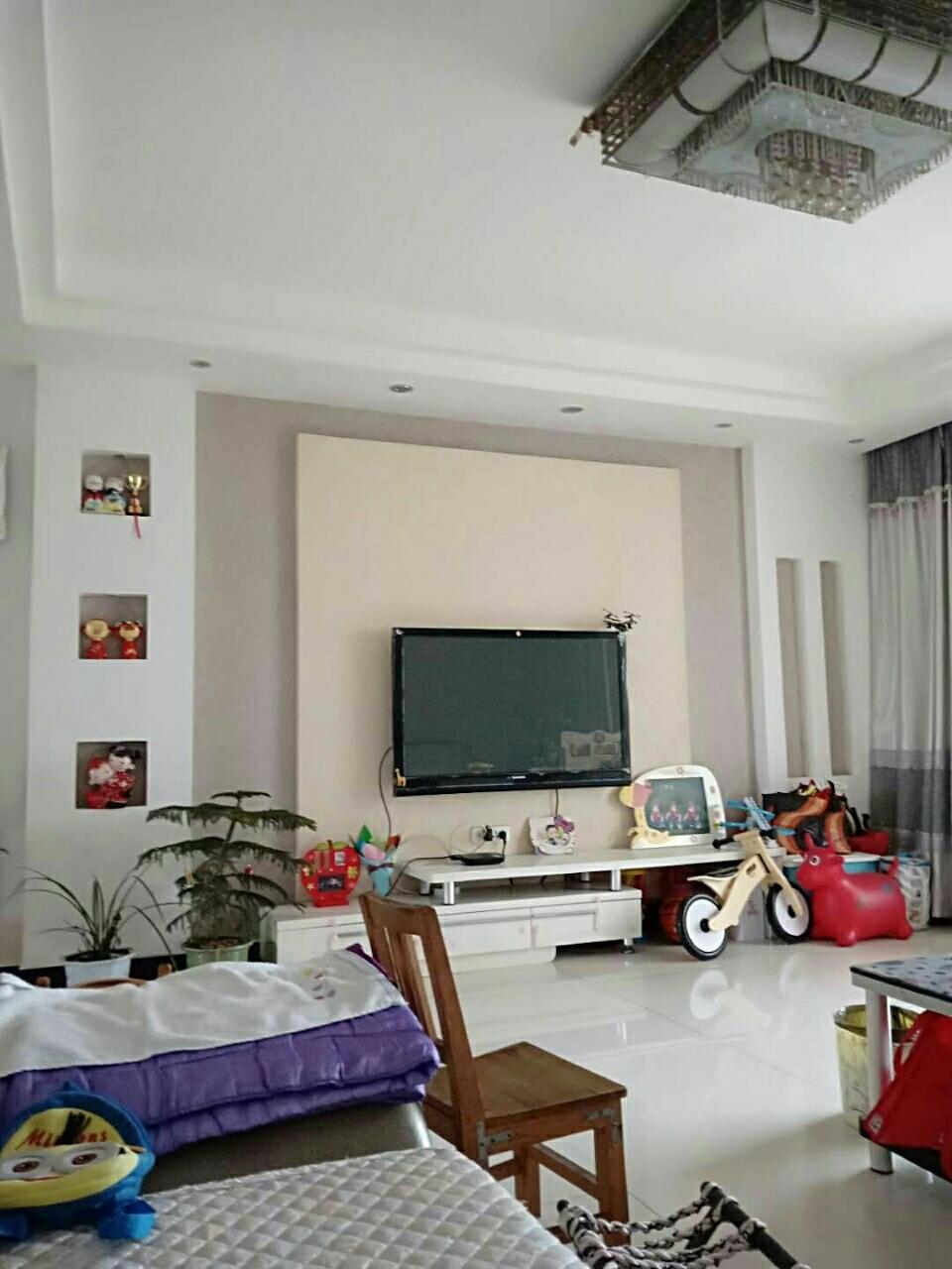 麻城市滨江御景二期3室2厅2卫70万元牧邦吊顶2号多少钱一平图片