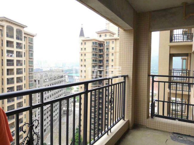 碧桂城4室2厅2卫2阳65万元