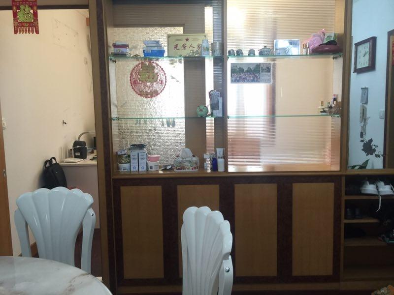 昆仑花苑精装修3室2厅1卫98平米76.6万元