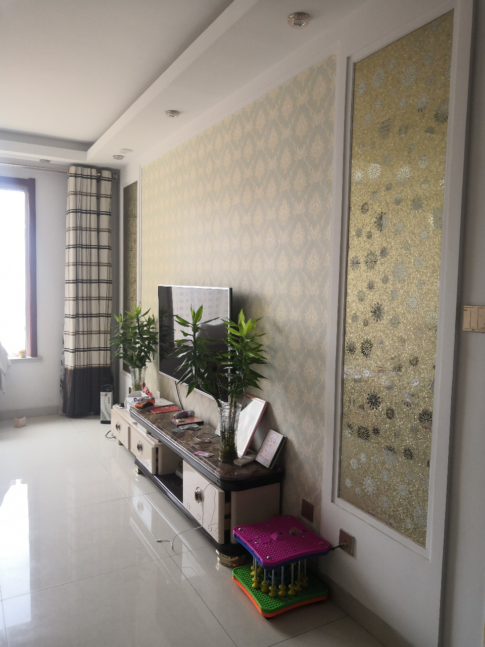 巴黎庄园精装修带家具家电2室1厅1卫60万元