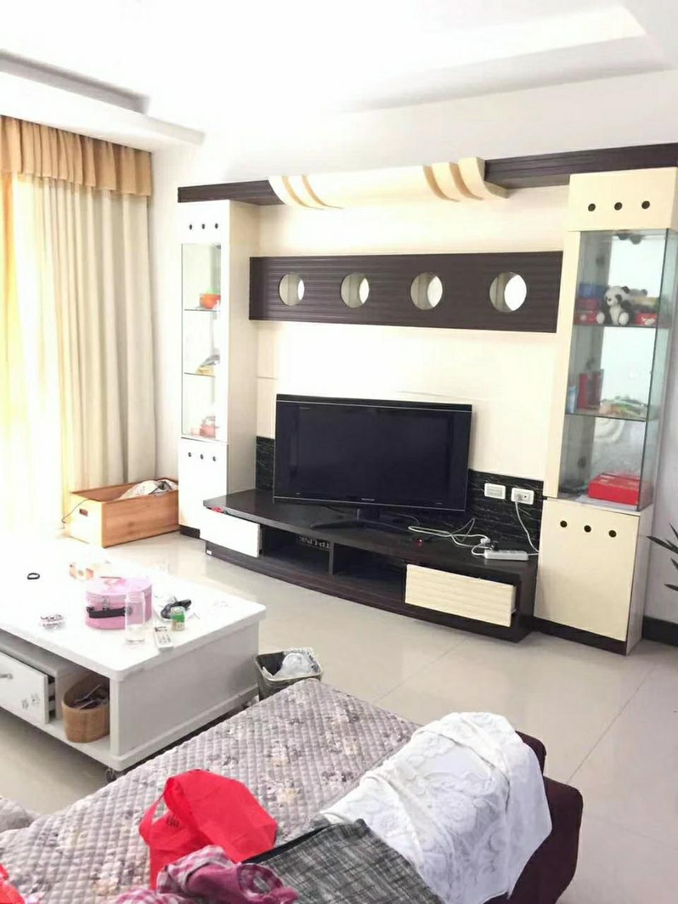 中鼎公寓3室2厅2卫72.8万元
