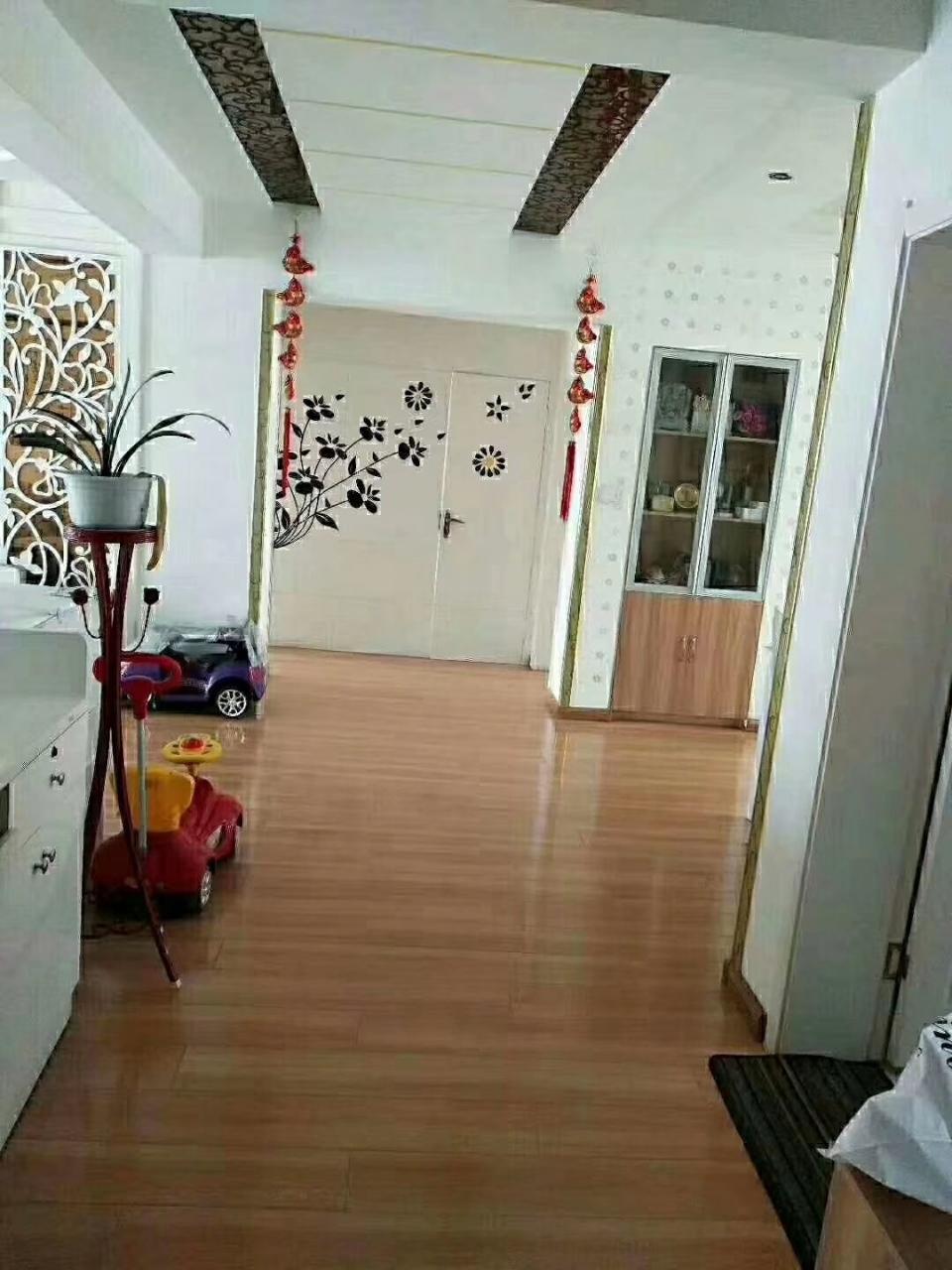锦丰园3室2厅1卫65万元