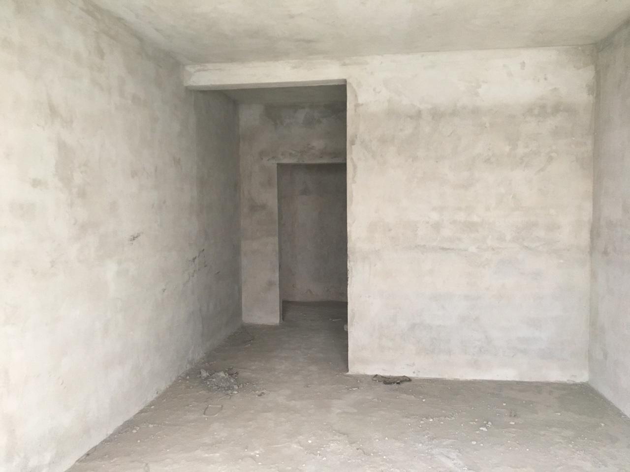 君馨苑3室2厅2卫52万元