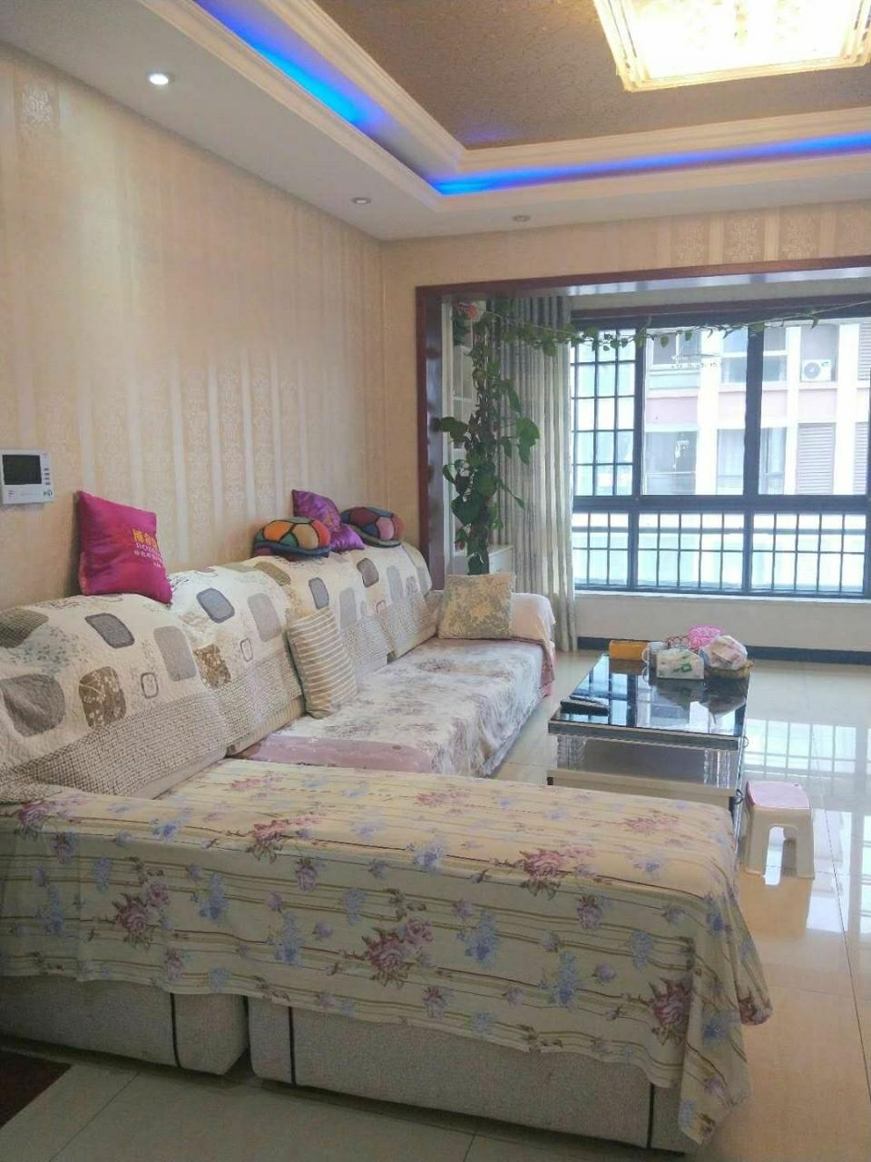 西城国际一期精装满两年3室2厅2卫98万元